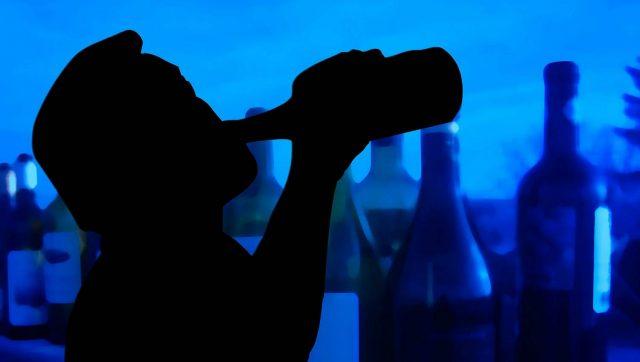 Co to jest alkoholizm objawy – co warto na ten temat wiedzieć?